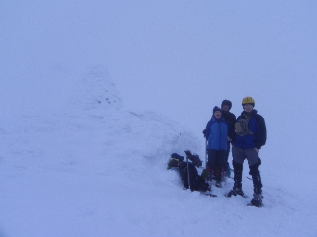 Yes, there is a summit cairn there...